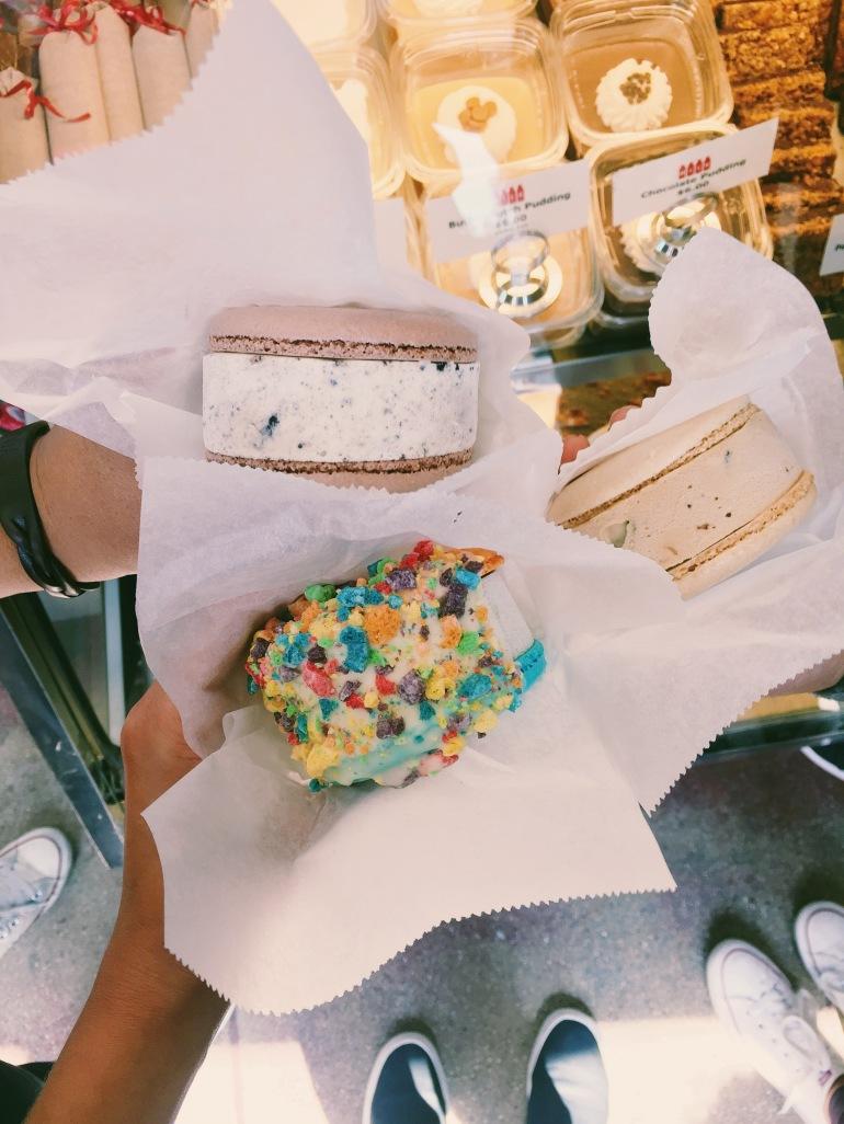 Milk ice cream sammies