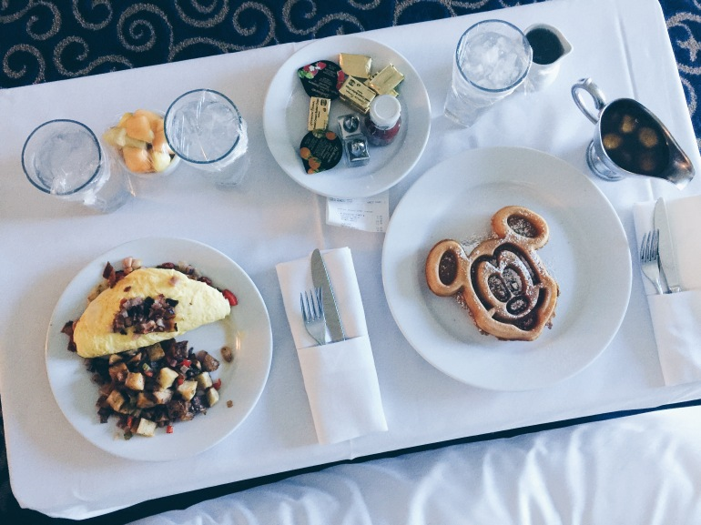 Disneyland Hotel FOOD