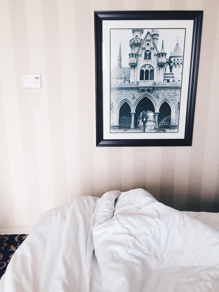 Disneyland Hotel Walt frame