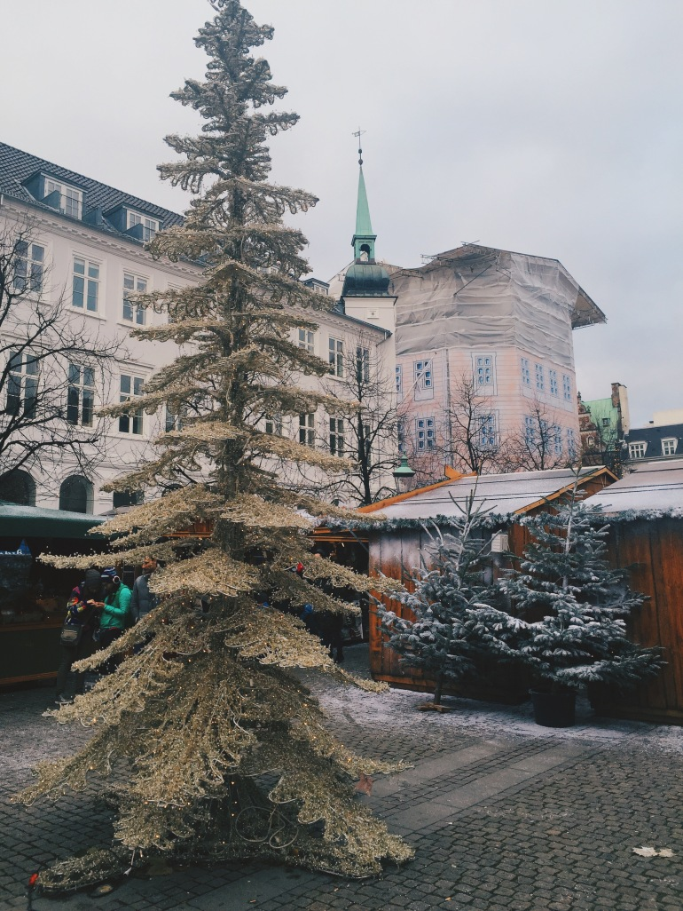 Christmas Market - tree