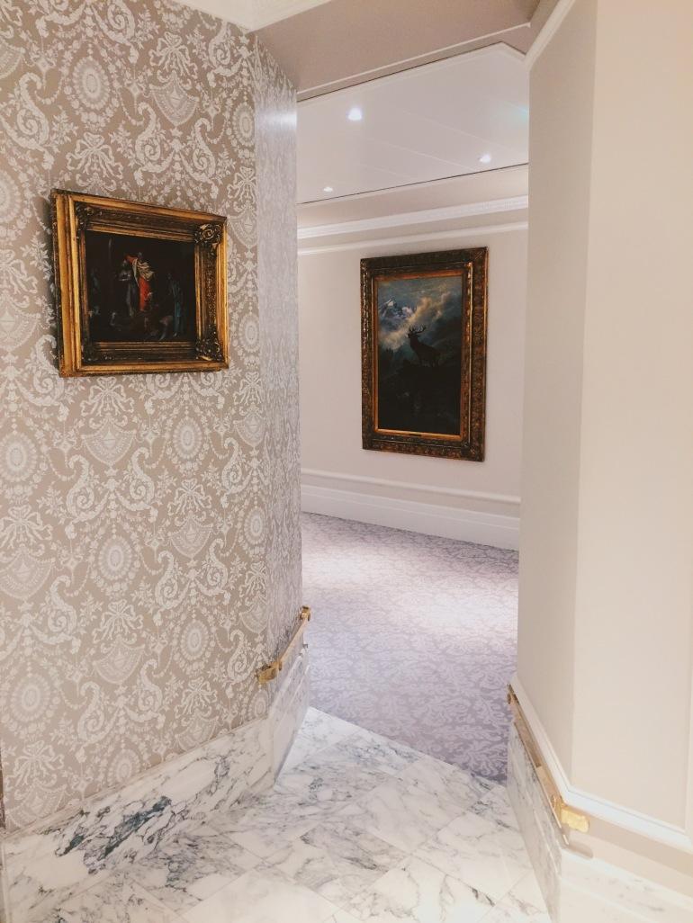 Hotel Sacher - hallway