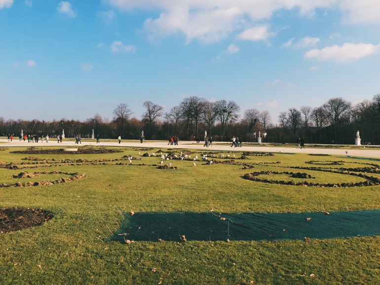 Dead gardens