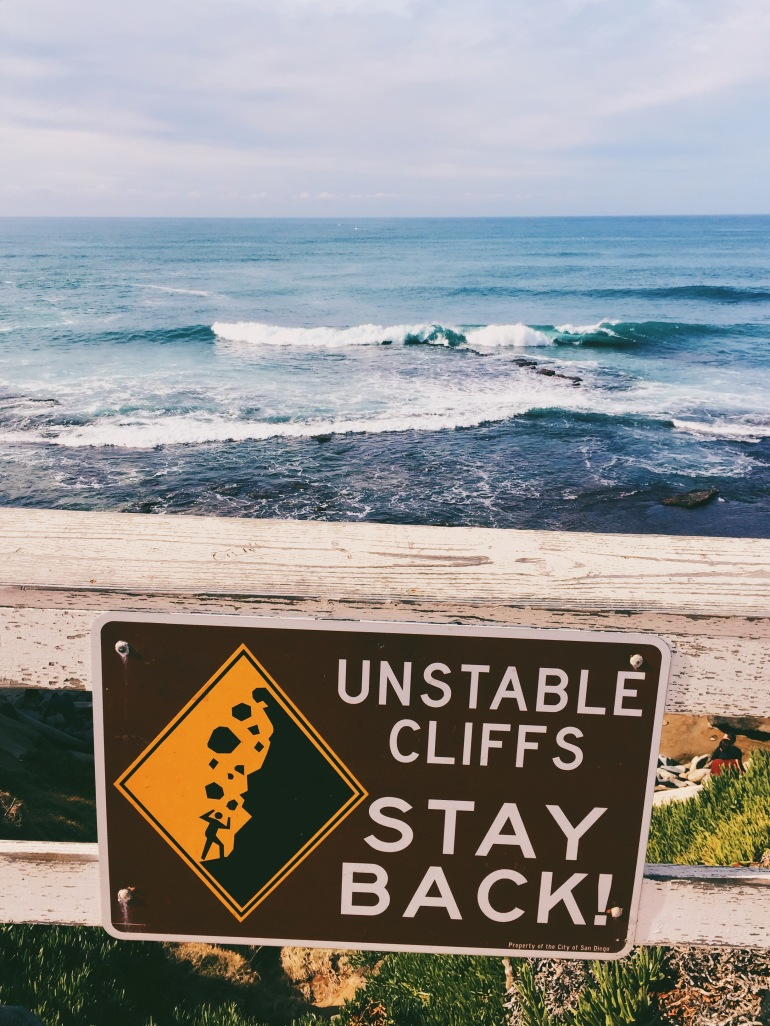 San Diego - cliffs sign