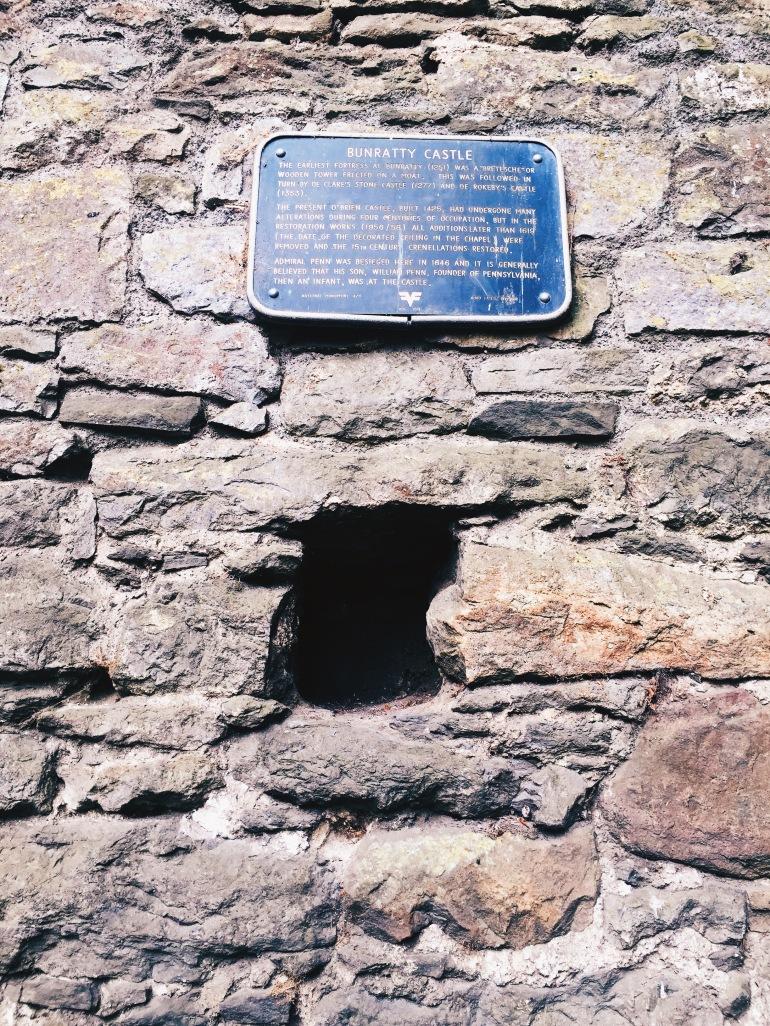 Bunratty - plaque