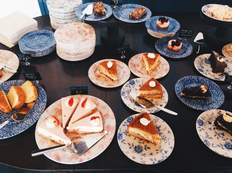 Bunratty - cakes