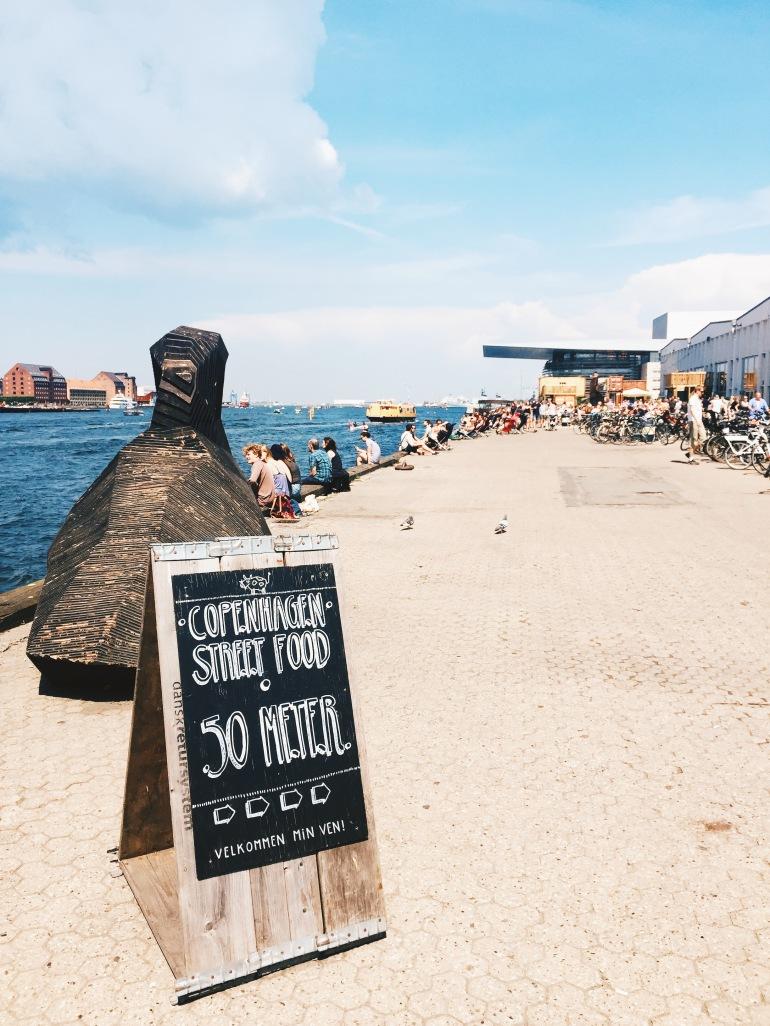 Summertime - Papiroen sign
