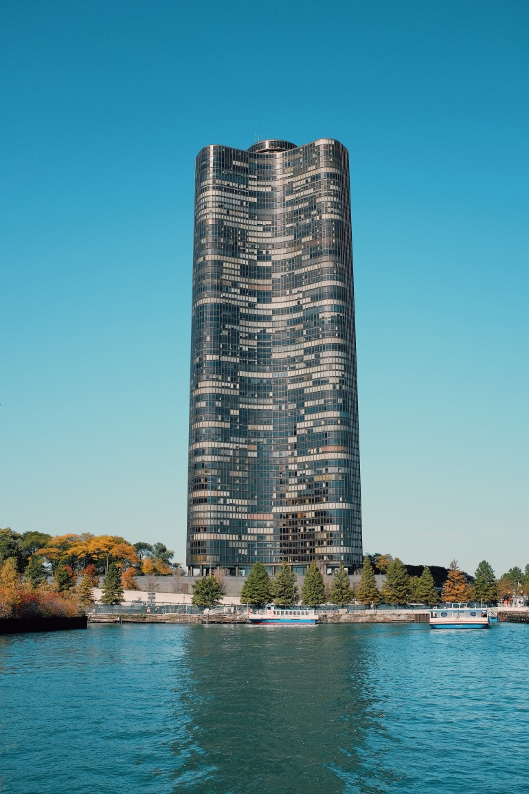 rivertour - black skyscraper