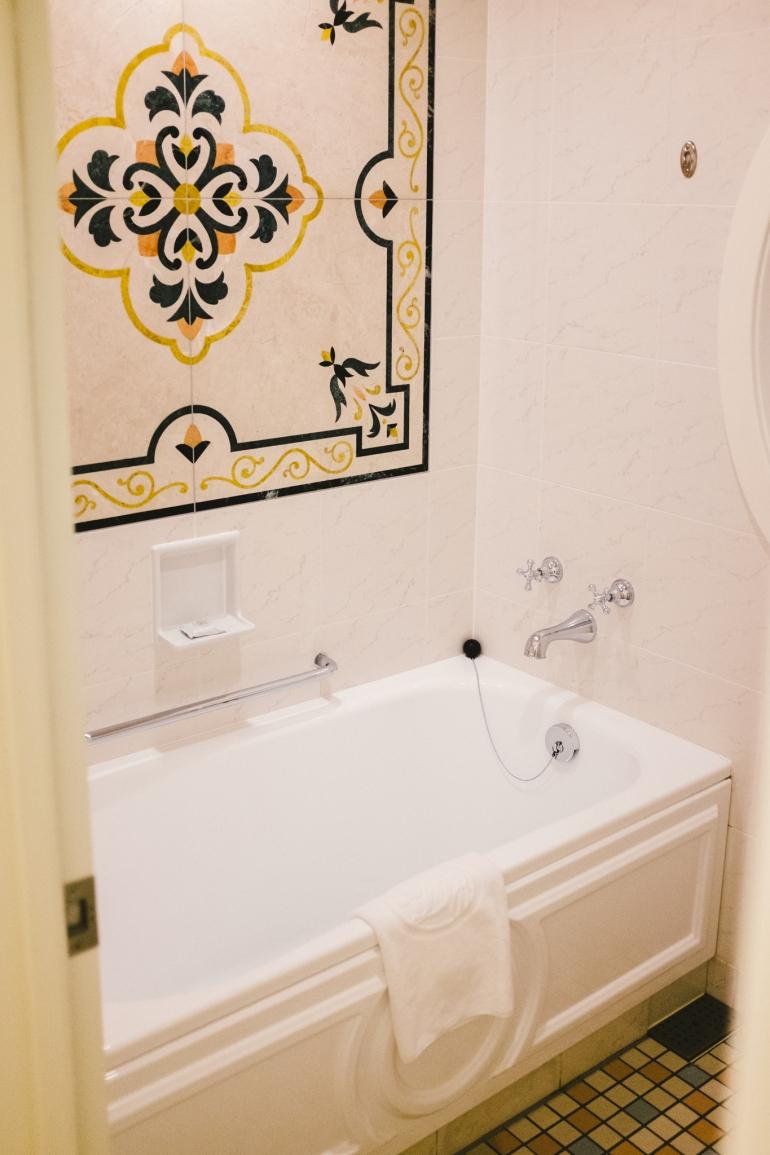 Tokyo Disneyland Hotel shower