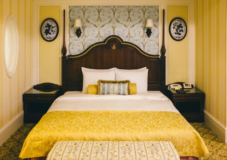 Tokyo Disneyland Hotel bed