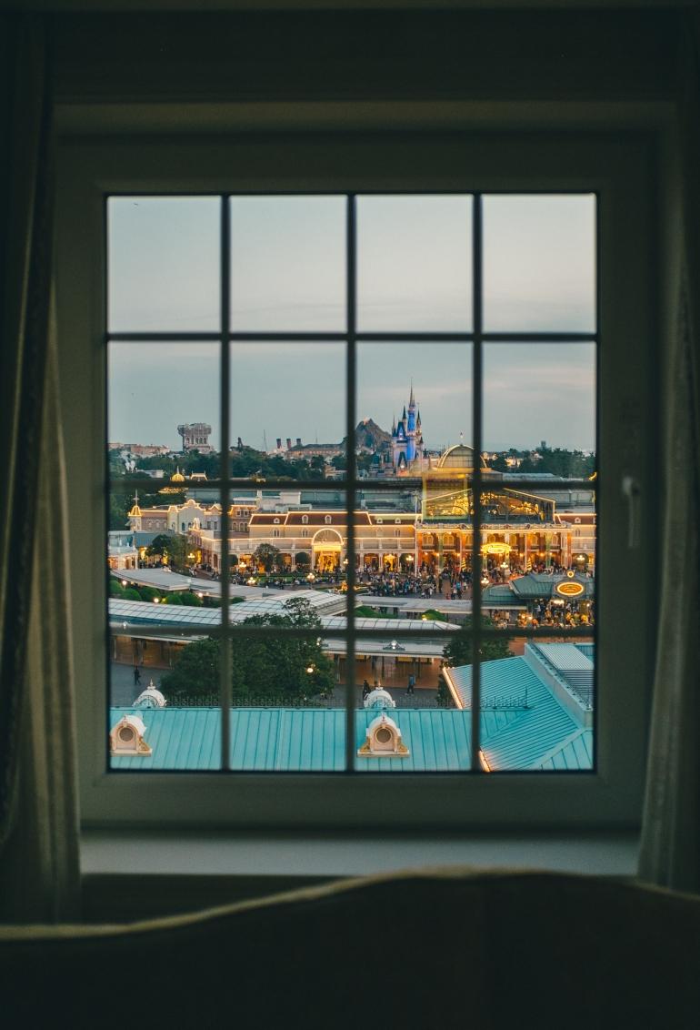 Tokyo Disneyland Hotel - views