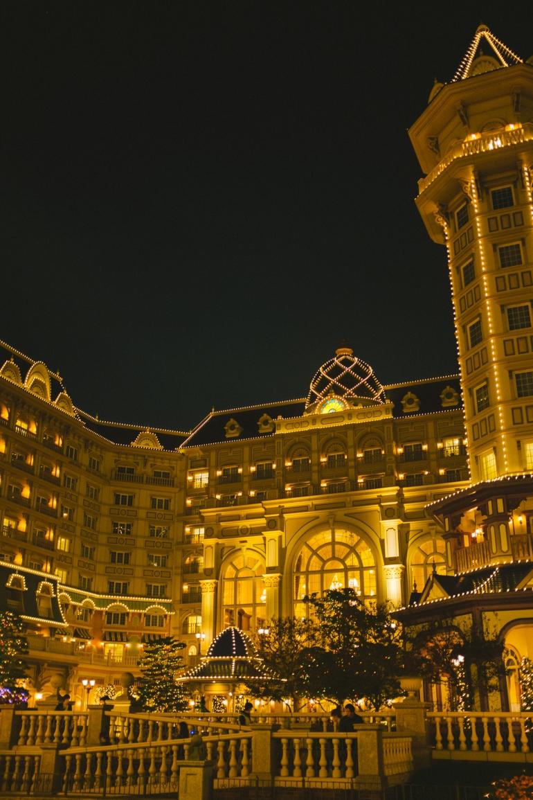 Tokyo Disneyland Hotel night