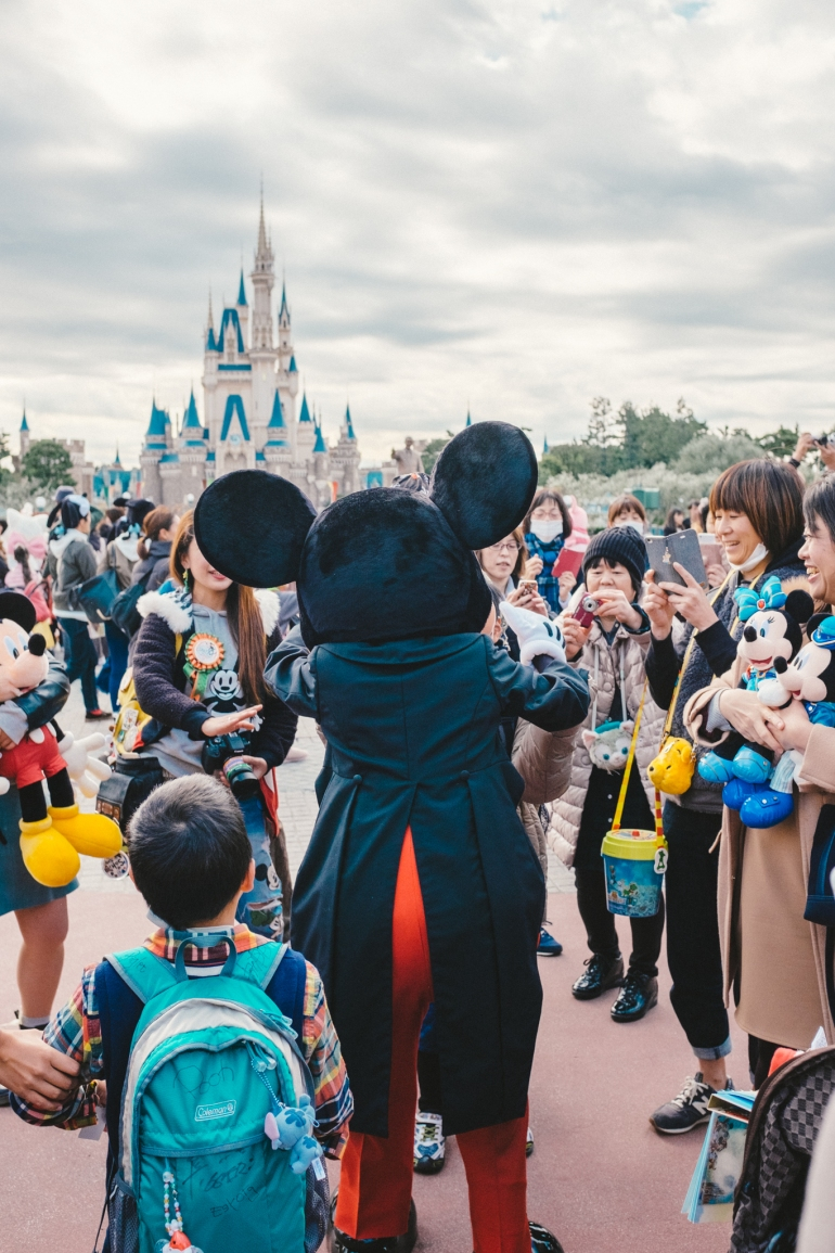 Tokyo Disneyland Mickey Groupies