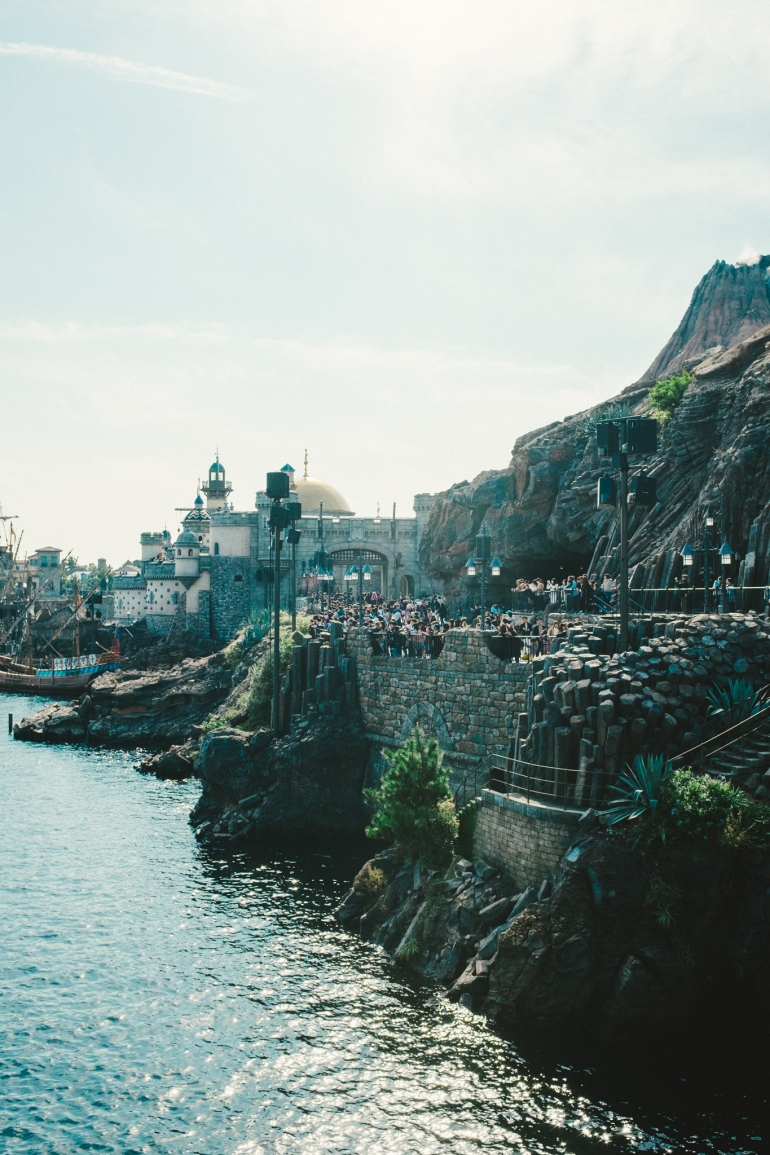 DisneySea crowds